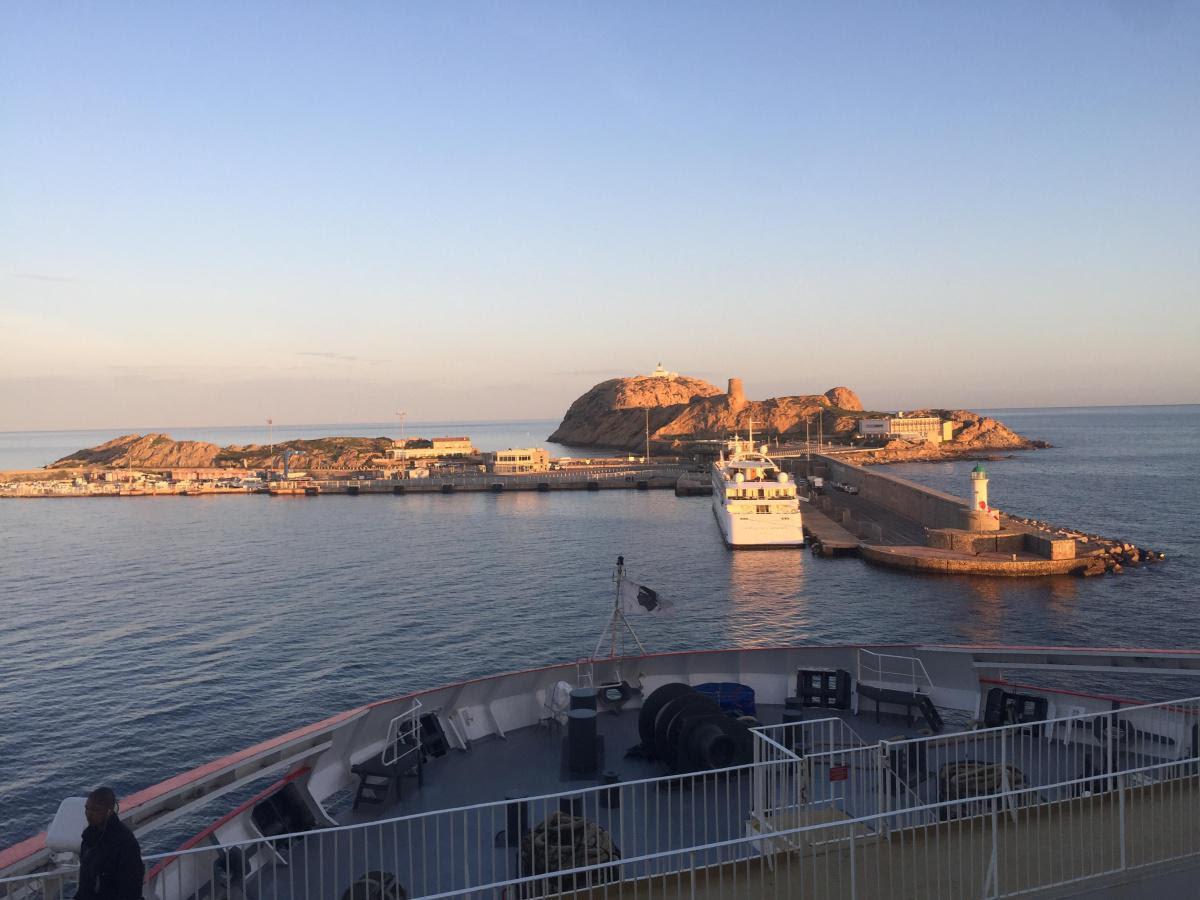 La photo du jour : Le port de l'Ile-Rousse au petit matin