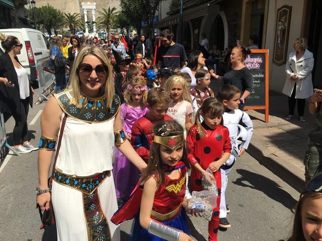 Carnaval ensoleillé et coloré  à Calvi