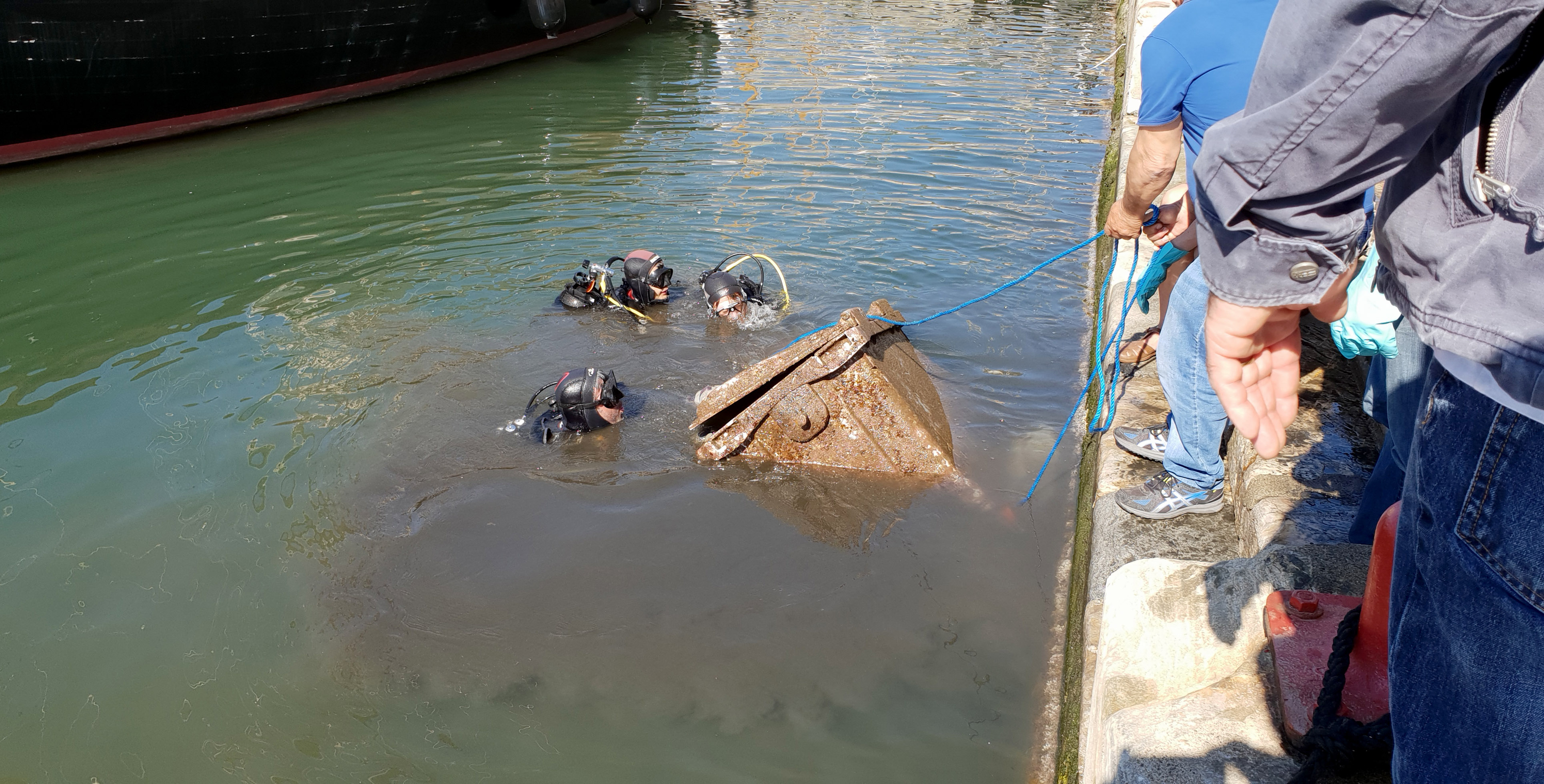 Les plongeurs en action © Cità di Bastia