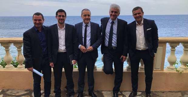 Le président Régions de France, Hervé Morin à Bastia entouré du président de l'Assemblée de Corse, Jean-Guy Talamoni, et des présidents des groupes politiques, Hyacinthe Vanni (Femu a Corsica), Petru Anto Tomasi (Corsica Libera) et Jean-Martin Mondoloni (Per l'Avvene).
