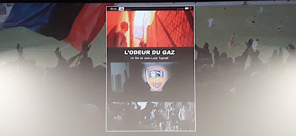 « L'odeur du Gaz » : Regard intemporel  sur les supporters du GFCA