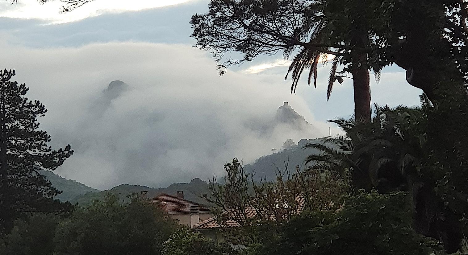 La photo du jour : Nebbia matutina nantu à torra di Seneca