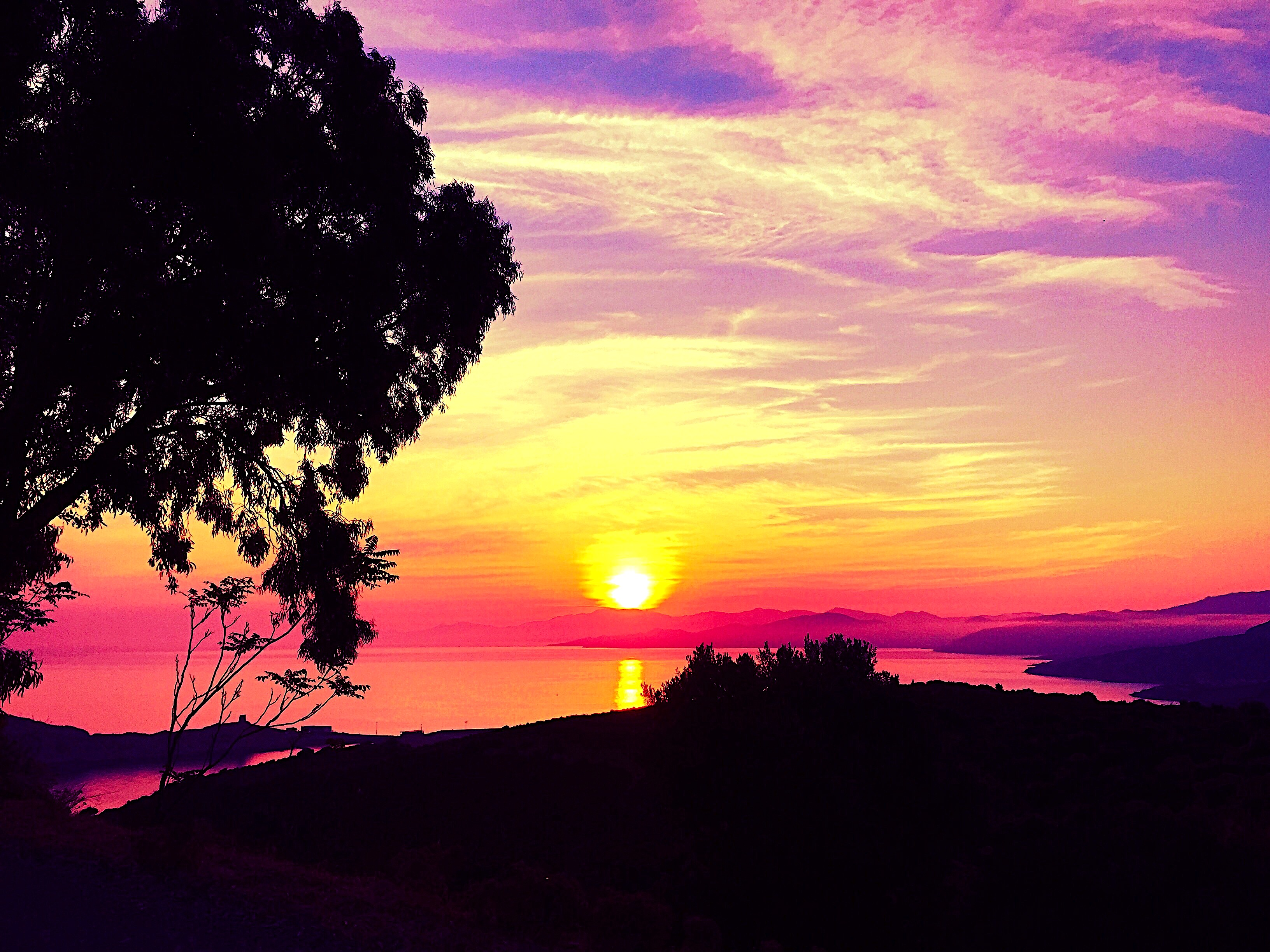 La photo du jour : Quand le Soleil embrase Lisula…