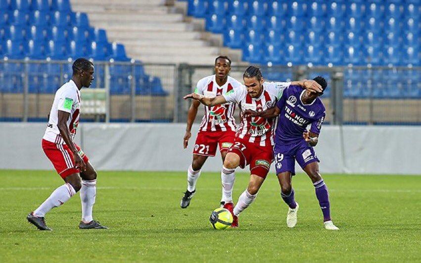 L'ACA n a rien pu faire face à Toulouse (0-3) : Le rêve passe…