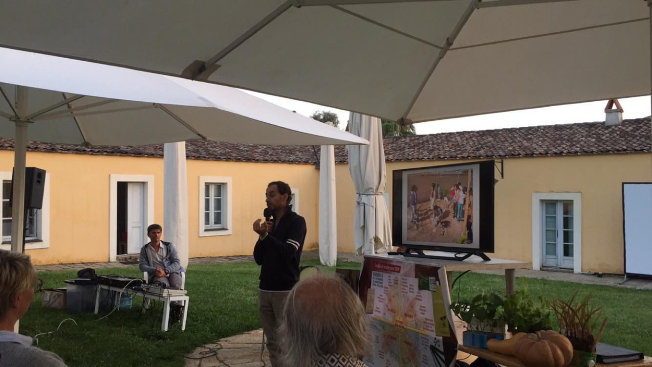 Fabien Tournan a également expliqué son expérience de permaculture au Maroc, dans des sols arides