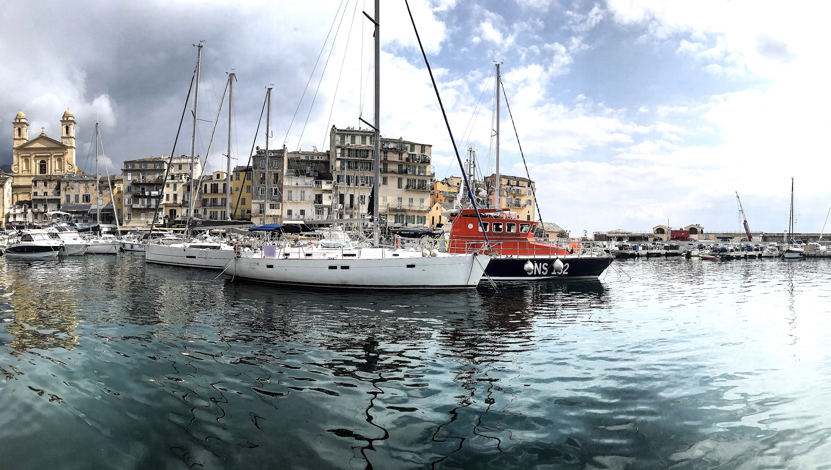 La photo du jour : Sur le plan d'eau du Vieux-Port de Bastia