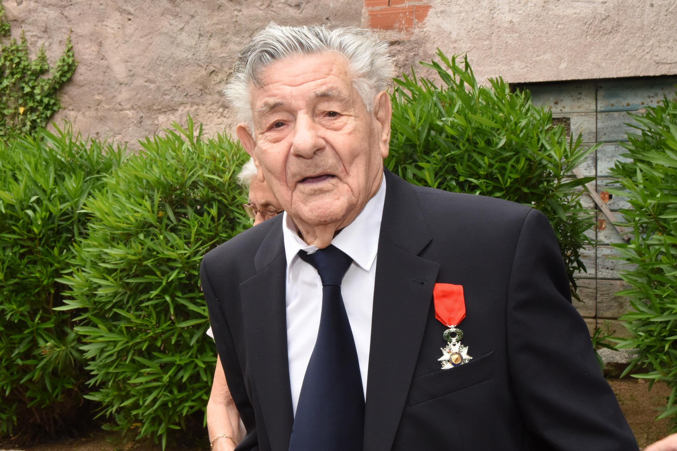 Muru : Chevalier de la Légion d'Honneur à 94 ans