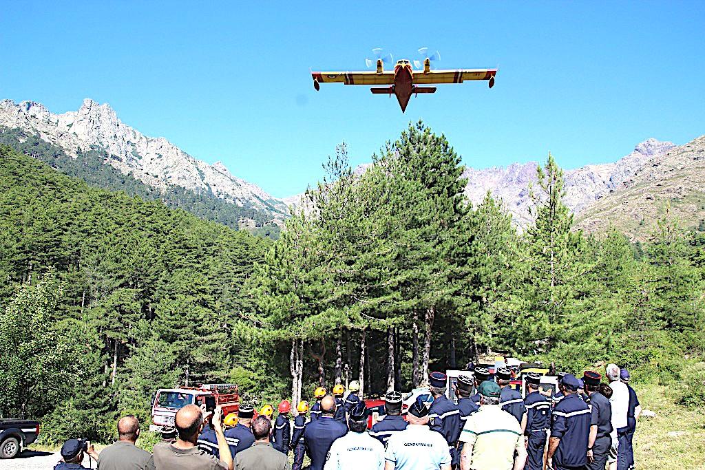 Les pompiers ont honoré la mémoire de l'équipage du « Pélican 22 » à Calasima