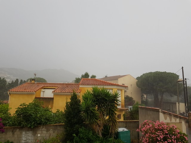 Violent orage mardi matin à Calvi