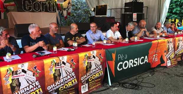 Ghjurnate di Corti : Gilles Simeoni boycotte le débat, fait un petit tour et puis s'en va…