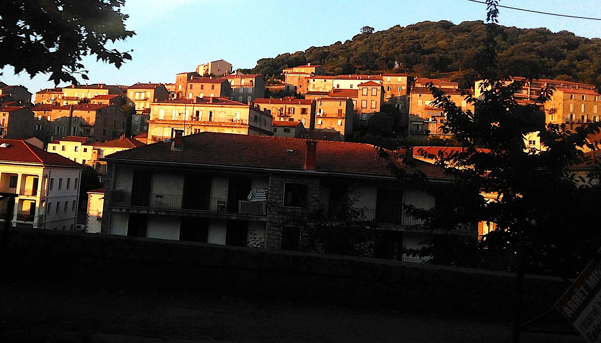 La photo du jour : Lorsque le soir descend sur Sartene