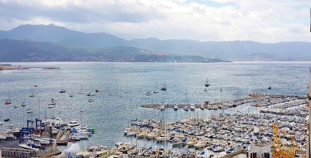 Vue du port Charles Ornano