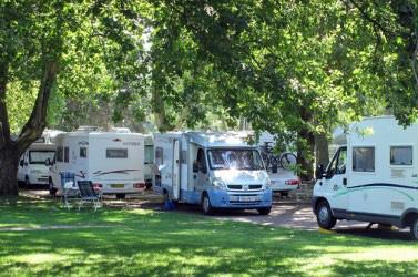 Mobilisation à l'Agence du Tourisme de la Corse : Non au camping-car sauvage!