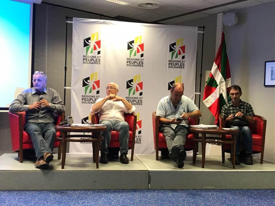 François Alfonsi, à gauche, ancien député européen, a animé les débats de R&PS