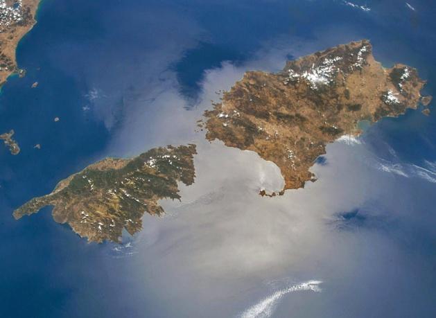 La Corse et la Sardaigne vues de l'espace...