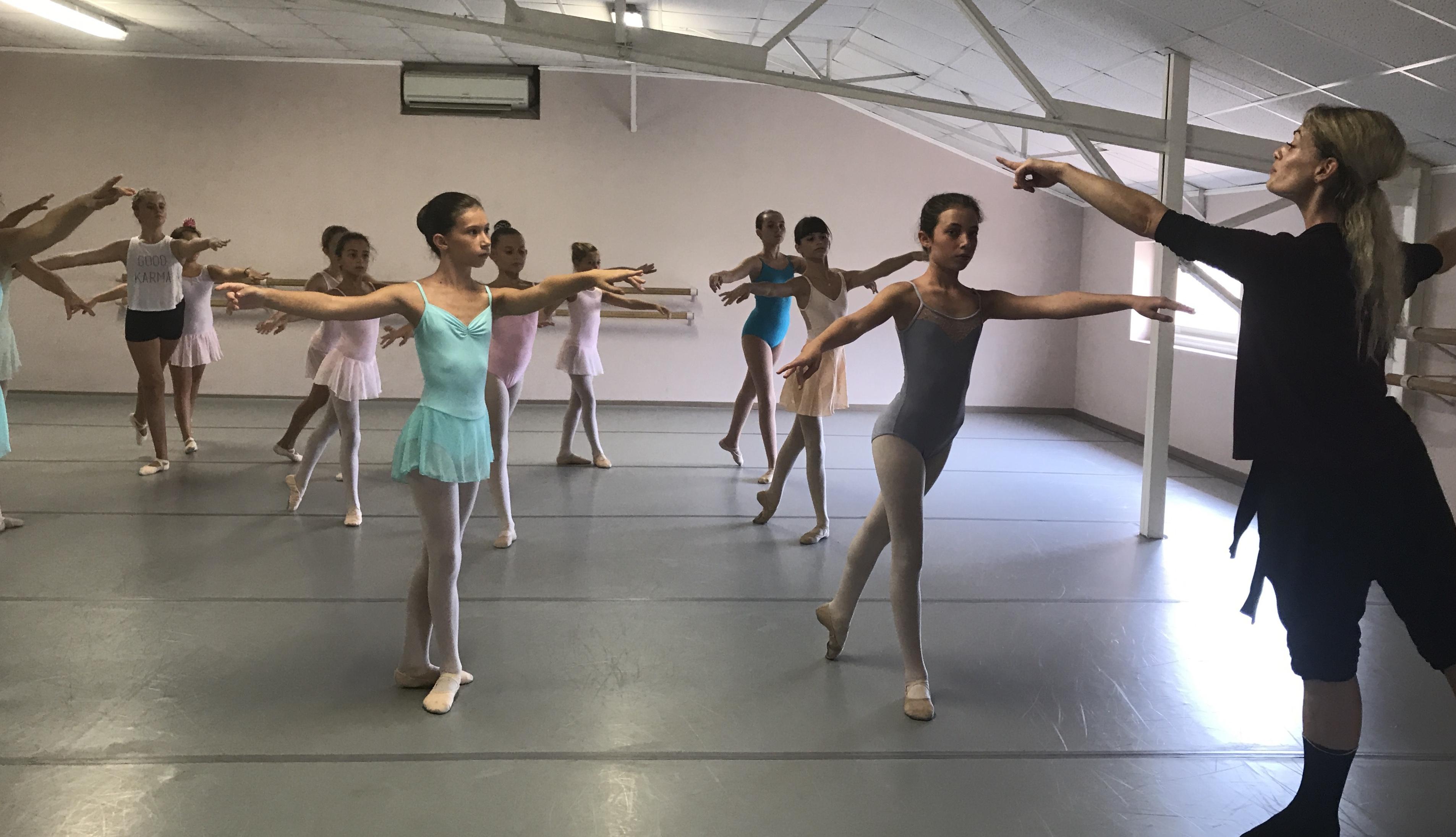 """""""Studio Ballet"""" de Furiani : Rencontre avec Tiphaine Appelhans et Simon Ripert danseurs au ballet Preljocaj"""
