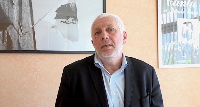 """Annulation de l'agrégation de langue corse en 2019 : """"Un recul inacceptable"""" pour Saveriu Luciani"""