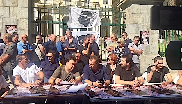 """""""Patriotti"""" devant la préfecture d'Ajaccio : """" Non au faux dialogue et à la répression"""""""