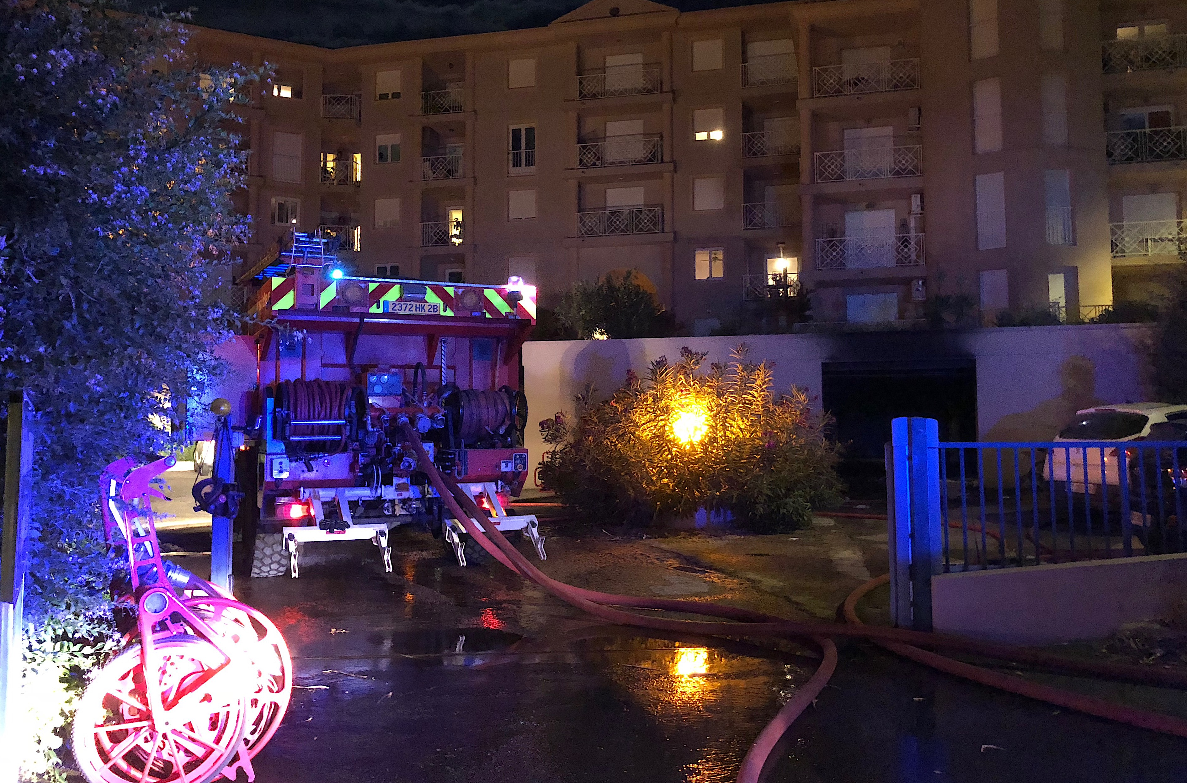 Un garage s'enflamme dans une résidence de Lisula