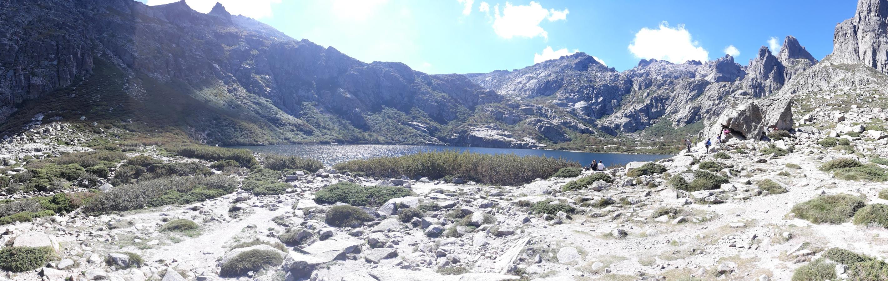 La photo du jour : Le lac de Melu tout à loisir