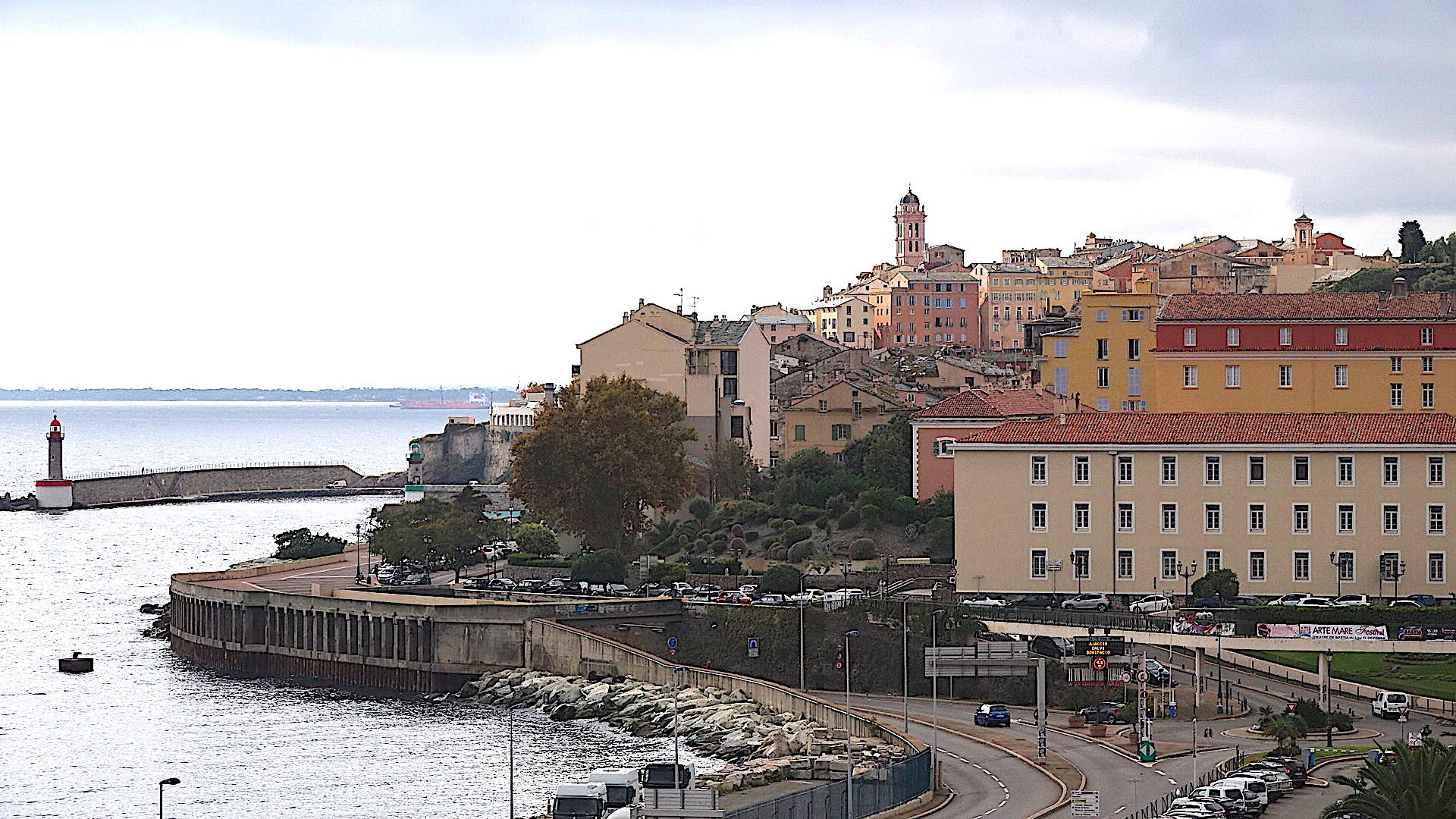 La photo du jour : Santa Maria veille sur Bastia