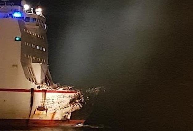 La proue du navire Ulysse @marinenationale