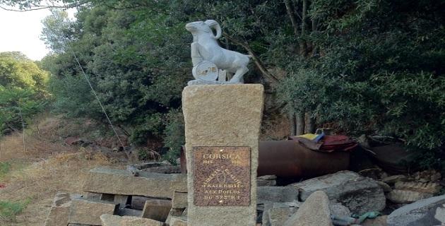 Stèle aux soldats corses morts dans les Vosges