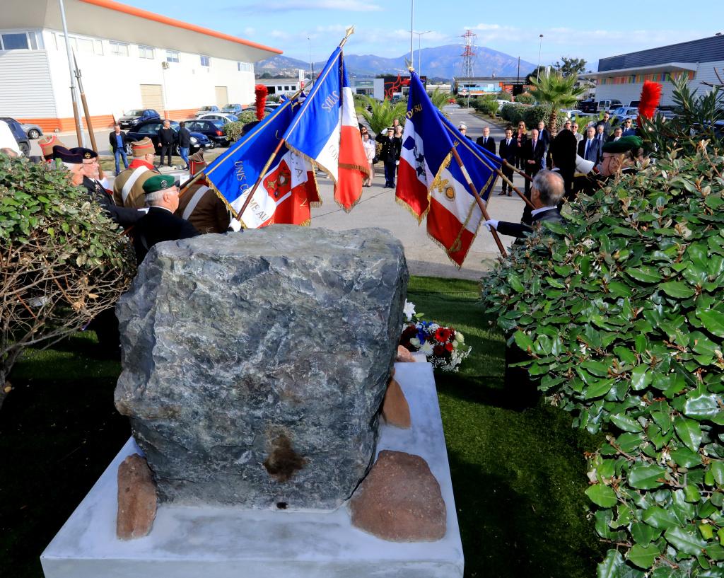 Une stèle érigée en mémoire des Poilus à Sarrola-Carcopino