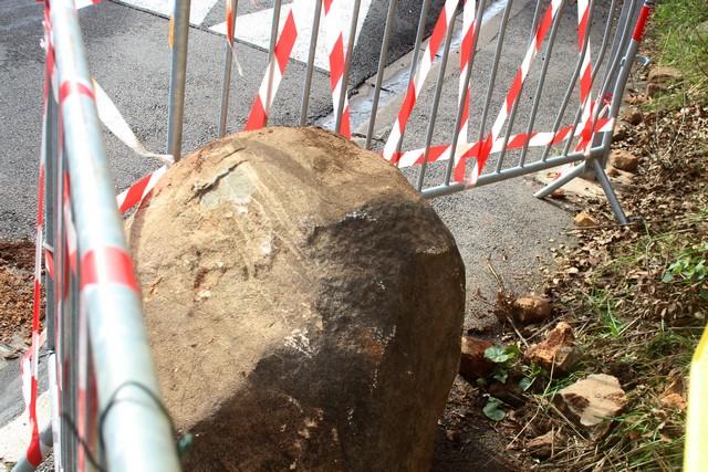 Episode pluvio-orageux: Un rocher se décroche de la terre  à Calvi