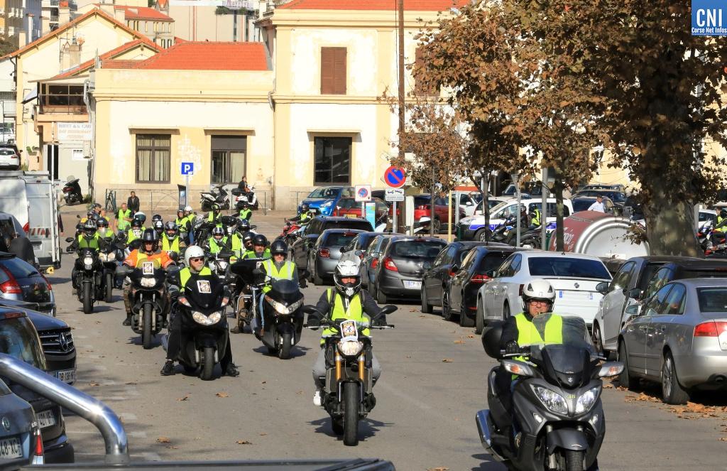 Les motards en nombre dans le centre-ville d'Ajaccio (Photo MLichel Luccioni)