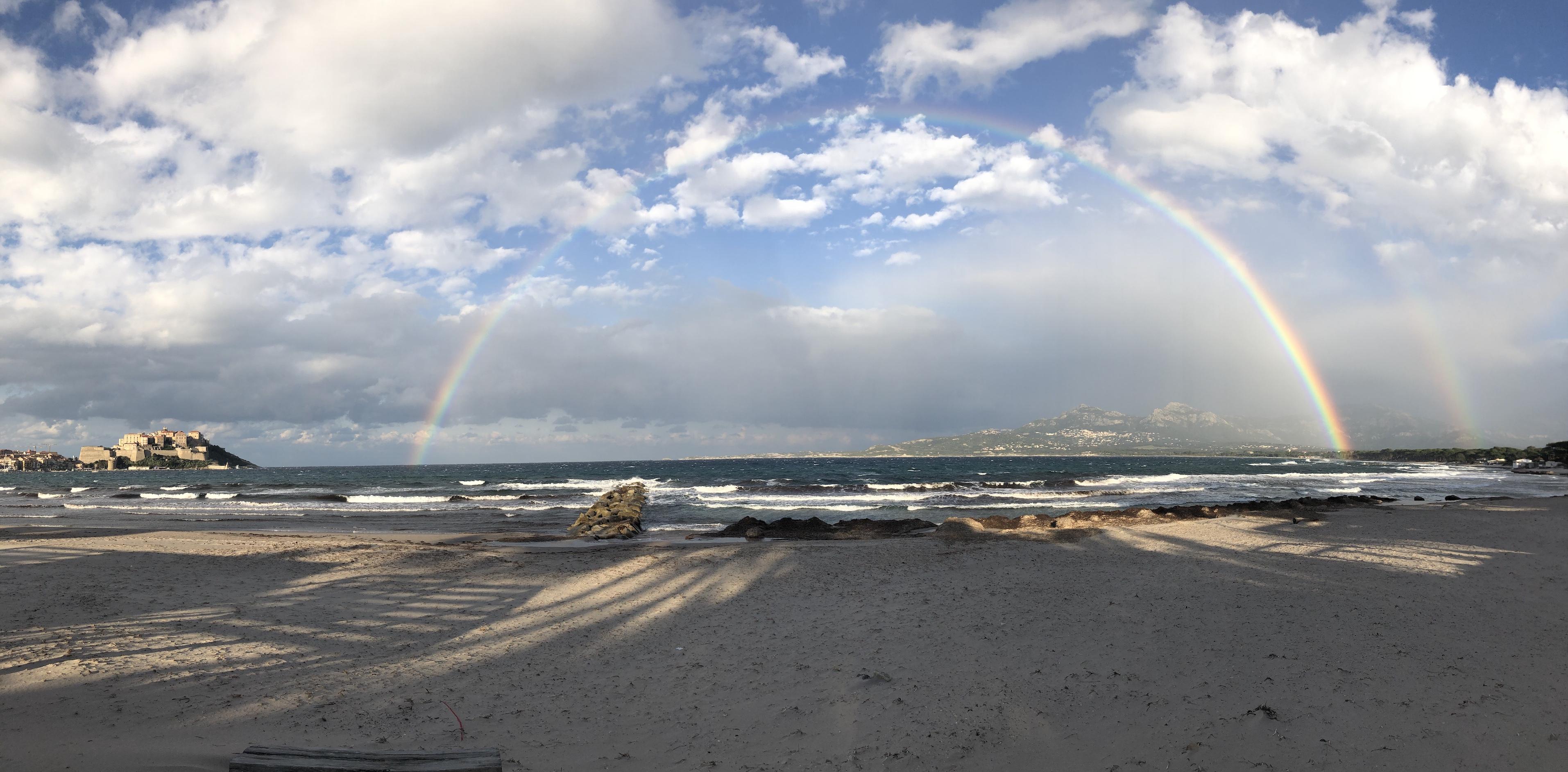 La photo du jour : Arc-en-ciel dans la baie de Calvi