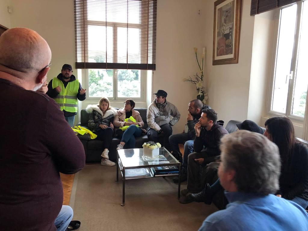Porto-Vecchio : Les Gilets jaunes en colère reçus à la Mairie