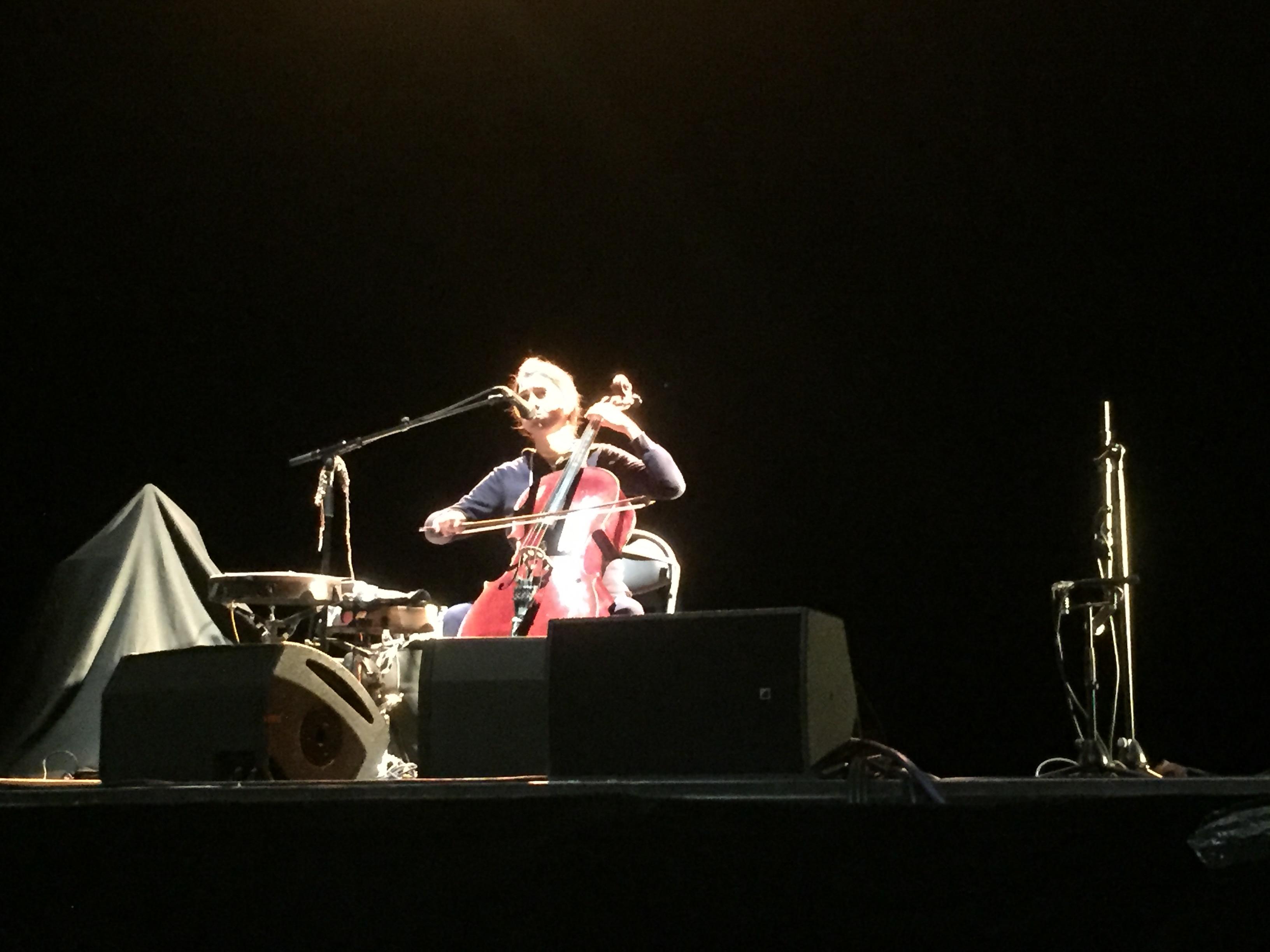Musicales de Bastia: la jolie voix de Dom la Nena a enchanté le public de l'Alb'Oru