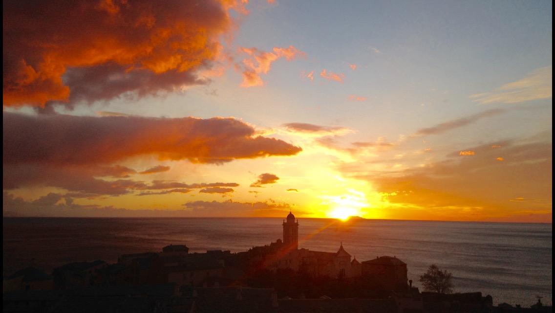 La photo du jour : Quand le Soleil illumine Santa Maria