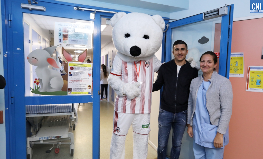 Noël avant l'heure pour les enfants du service de Pédiatrie de l'Hôpital d'Ajaccio