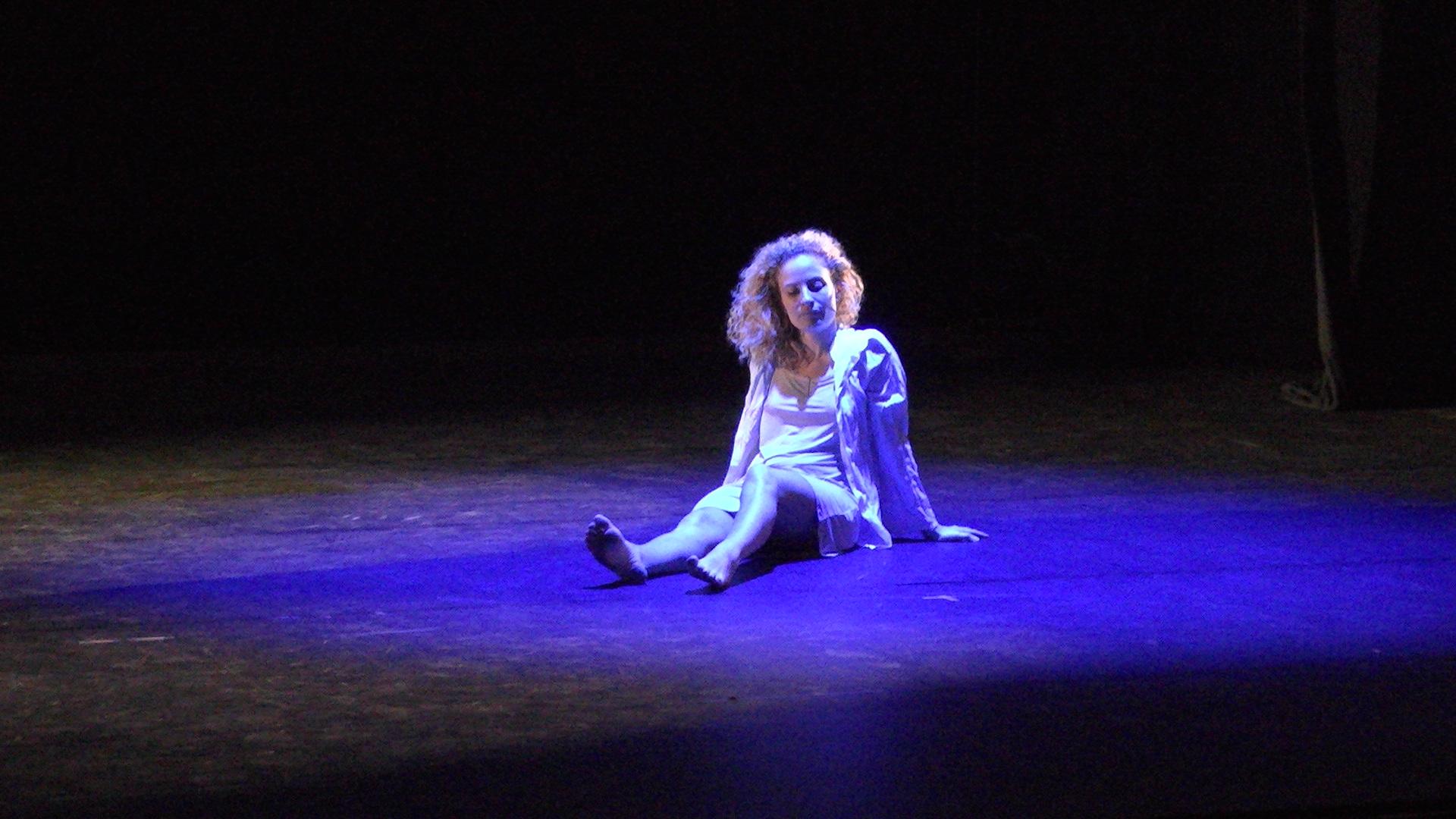 """Davia Benedetti  dans """"Isule"""""""