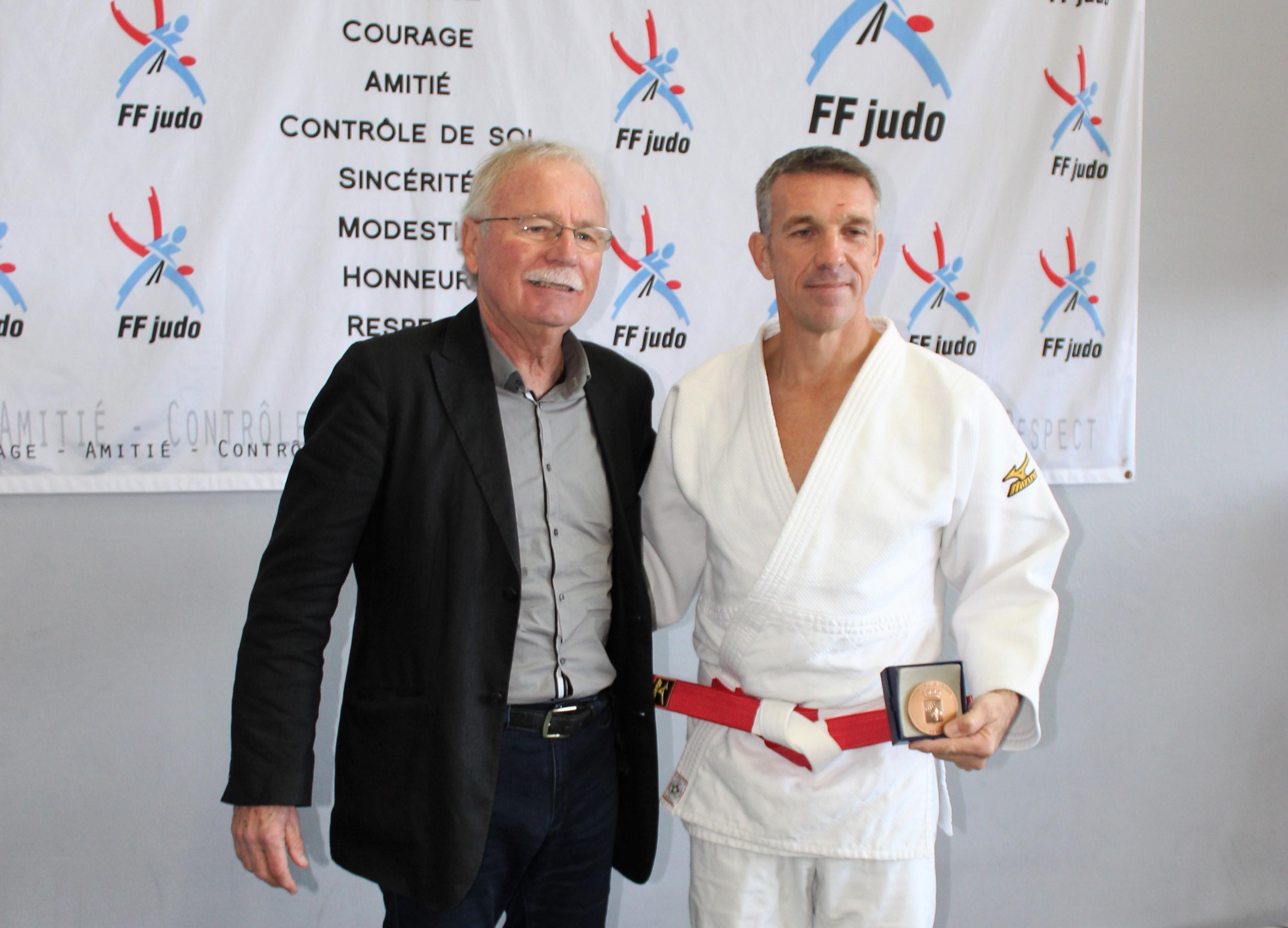 Un 6e Dan pour Thierry Geslin du Judo Club de Lisula