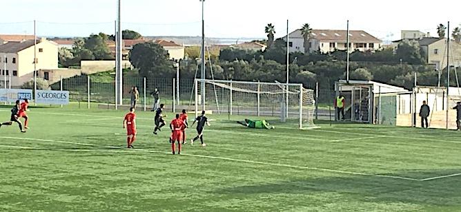 Le but de la victoire pour Cinquini sur penalty
