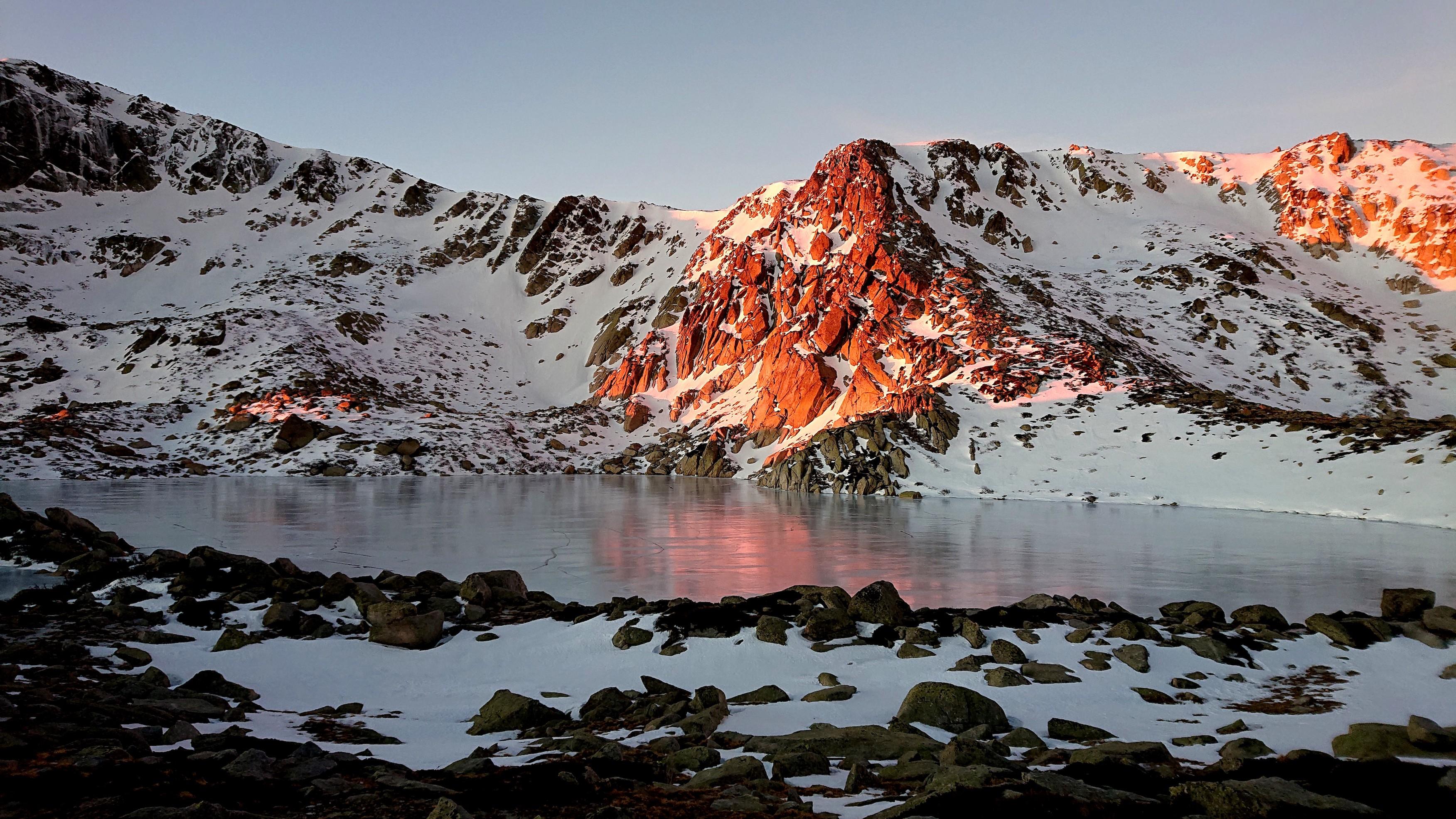 La photo du jour : Le lac de Bastani au petit matin