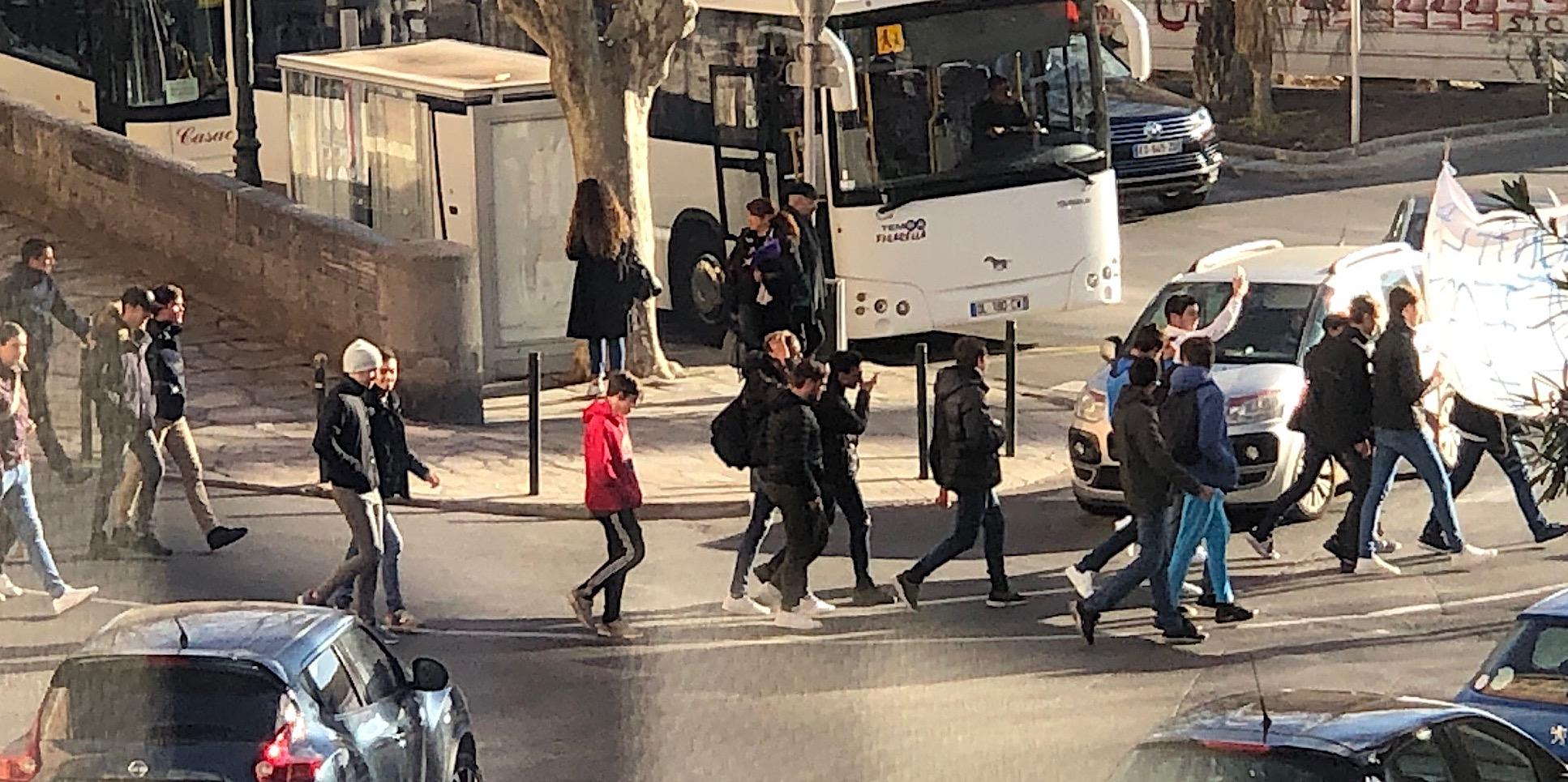 Bastia : Les élèves du lycée maritime dans la rue