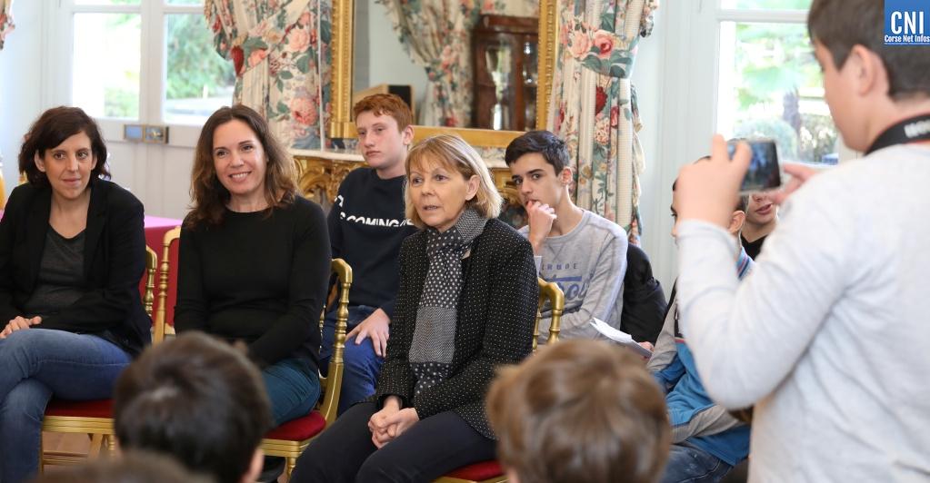 Rencontre dans les salons de la préfecture d'Ajacio entre les élèves du collége des Padule et la préfète de Corse Josiane Chevalier (Photo Michel Luccioni)
