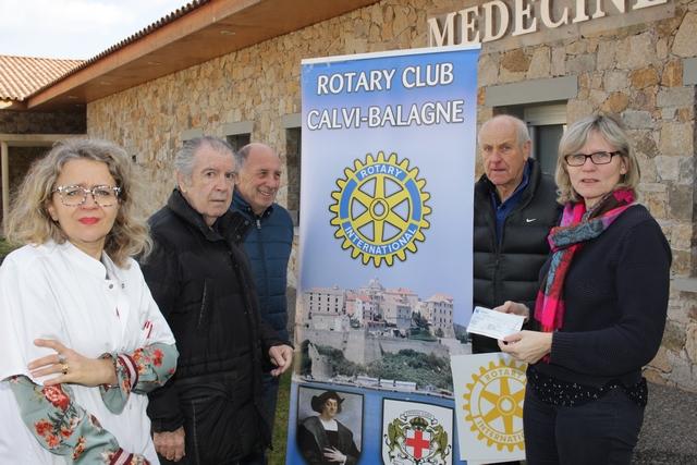Le Rotary Calvi-Balagne remet un  chèque de 2000€ au Centre Hospitalier Calvi-Balagne