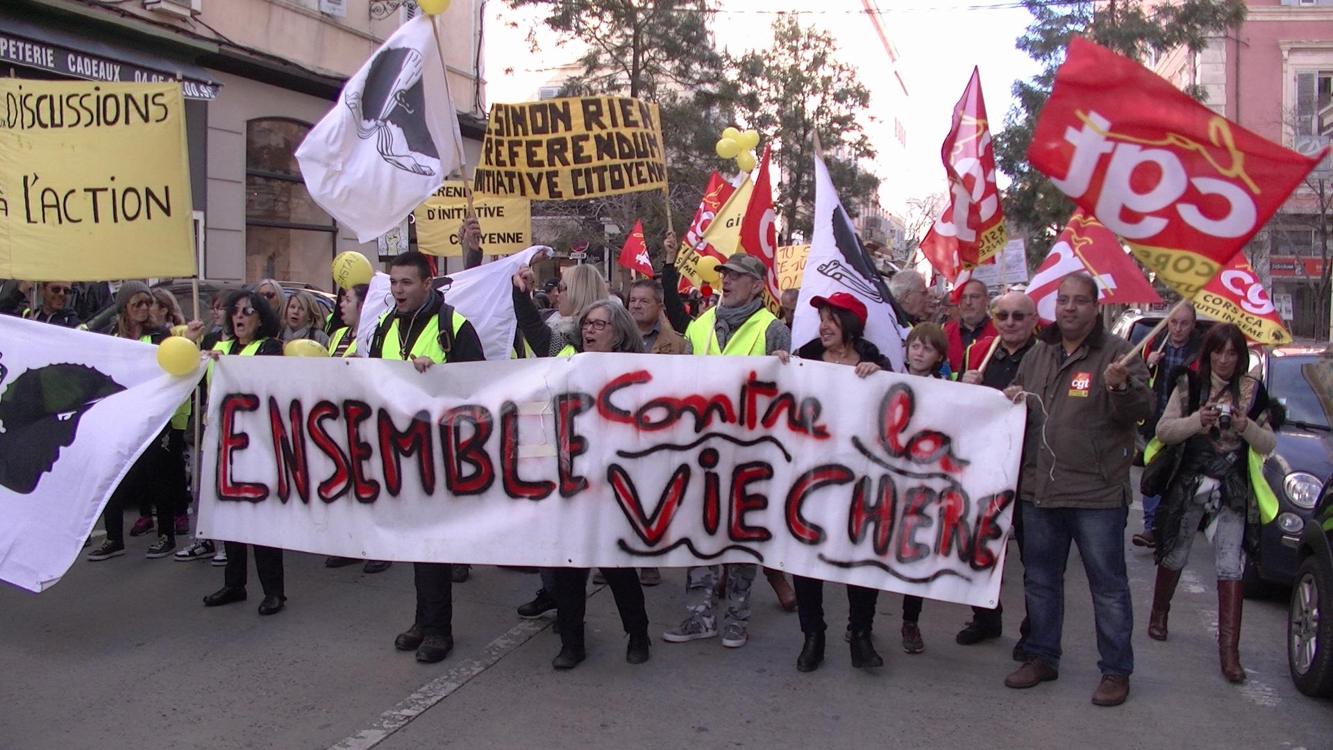 Bastia : CGT et Gilets jaunes ont défilé unis !