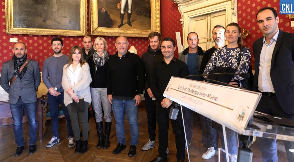Stéphane Vannucci, adjoint délégué au sport et de Stéphane Sbraggia  1er adjoint au maire lors de la remise des pris aux participants