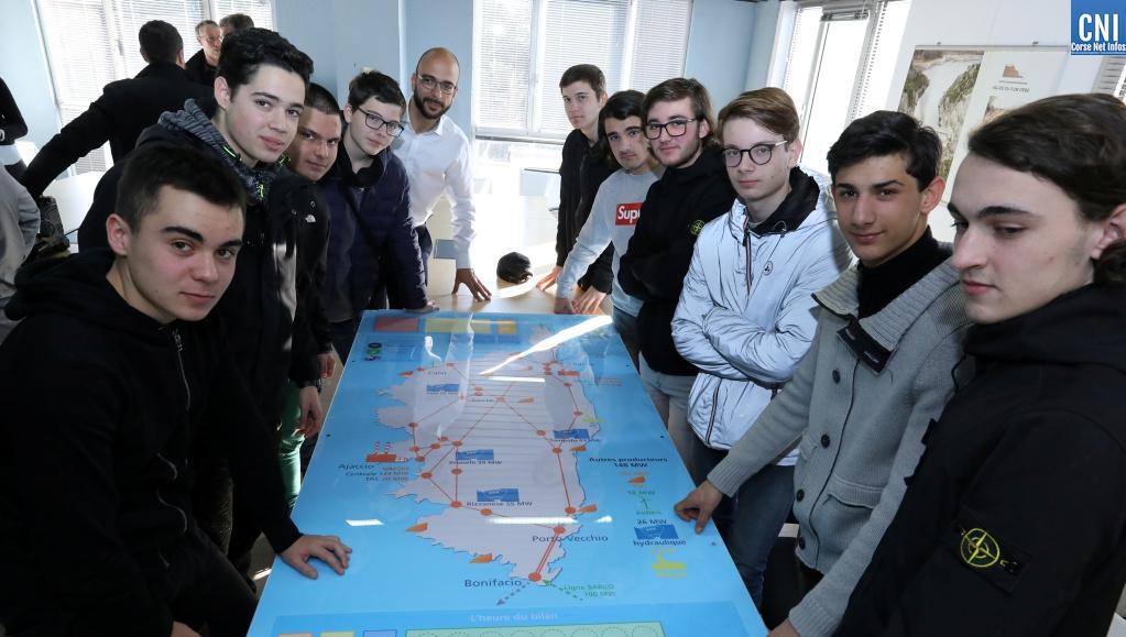 Lélèves de la classe de 1ère MELEEC du lycée professionnel Jules Antonini