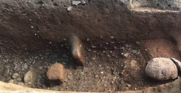 Une des tombes de la nécropole romaine et étrusque découverte à Aleria.