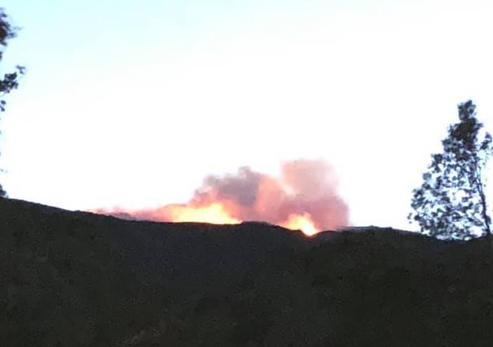 Le feu sur les hauteurs de Sisco (Photo Mathieu Breda)