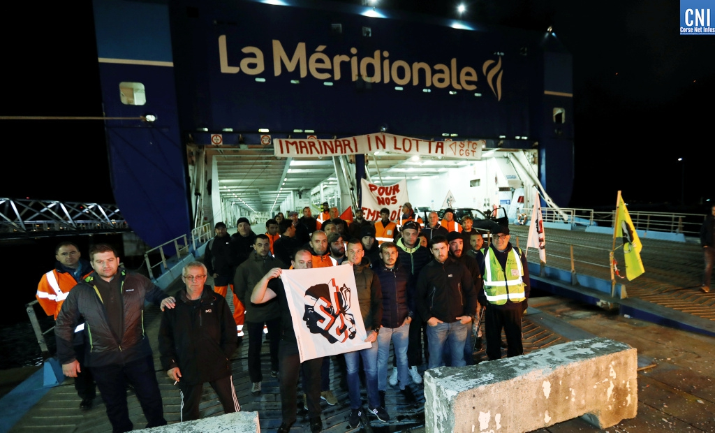 A Ajaccio le Girolata est bloqué à quai (Photos Michel Luccioni)
