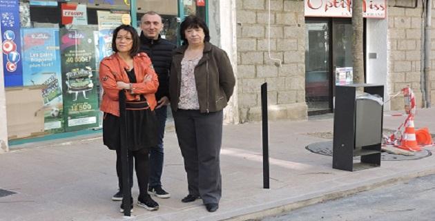 J.Christophe Angélini président de l'ADEC, Jeanne Stomboni, Conseillère territoriale, et Sandra Morelli, présidente d'« A Rinascita » lors de la conférence de presse