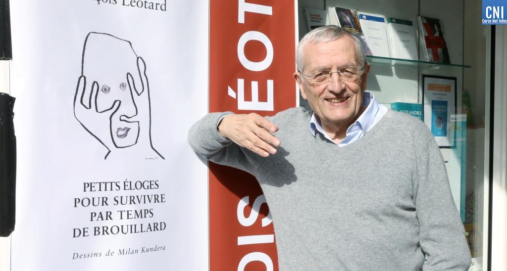 François Léotard à la Librairie des palmiers à Ajaccio - Photo : Michel Luccioni